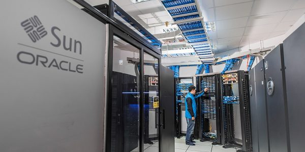 1024px-Data_Center_của_CMC_Telecom